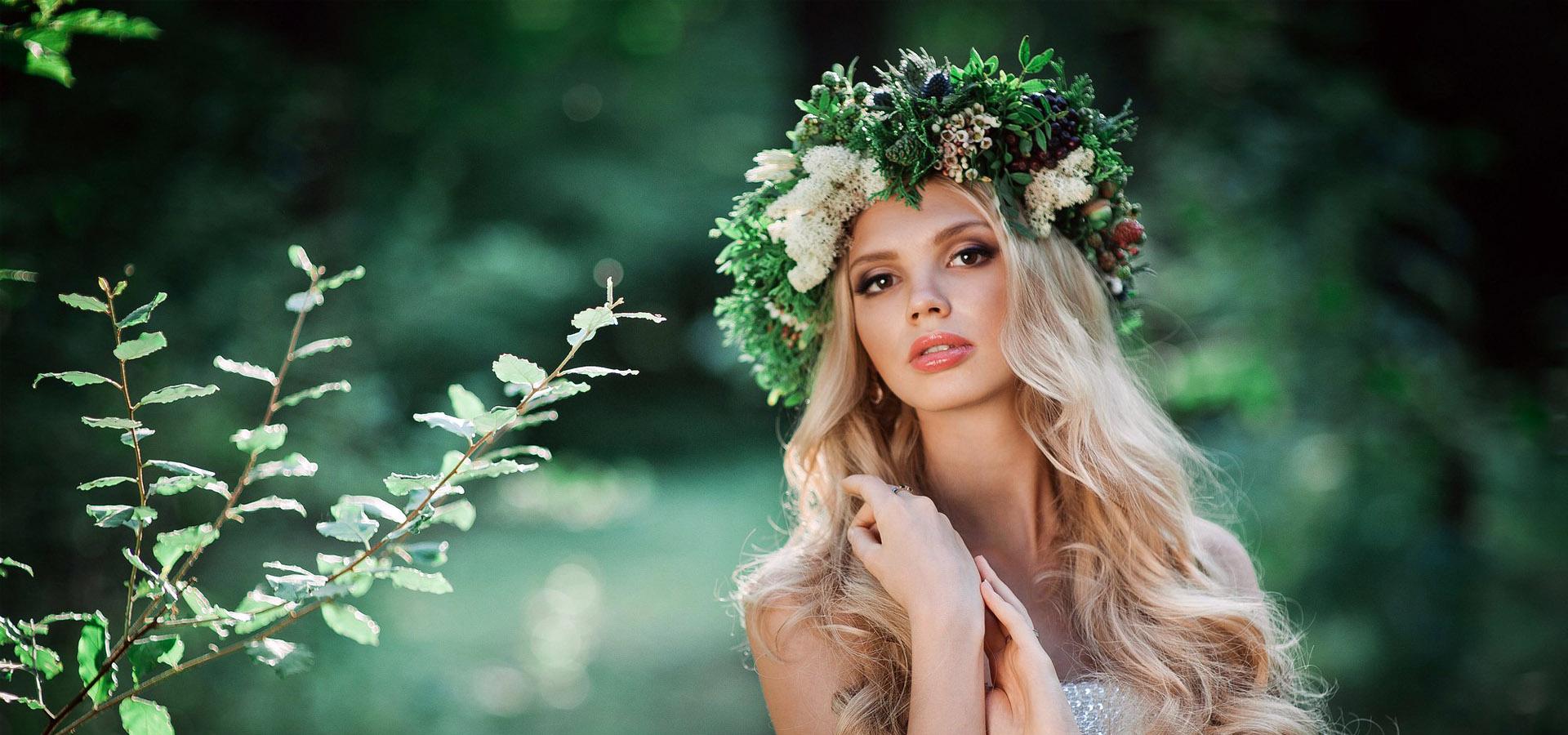 Главный тренд для невесты 2017 года - цветы в волосах